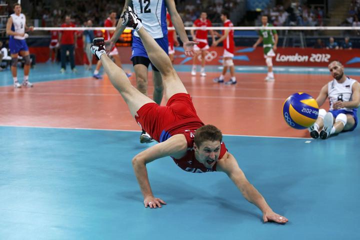 Частые падения спортсменов во время игр